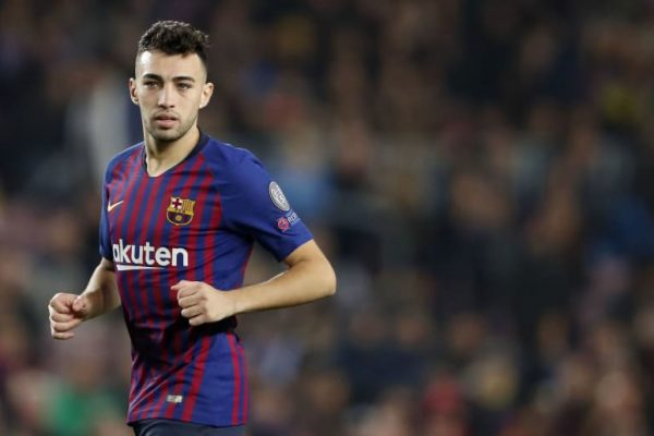 Sevilla have signed Barcelona forward Munir El Haddadi for a fee of €1.05m (£937,000).